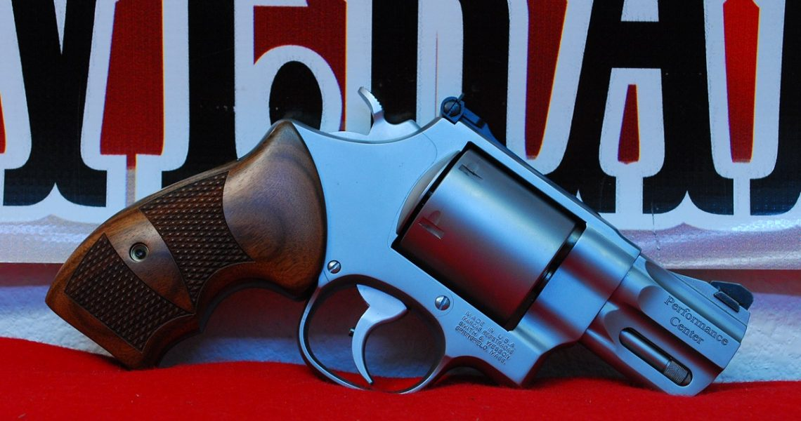 """Smith & Wesson 629 Performance Center 2.5"""" .44 Mag"""